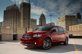 2017 dodge grand caravan first drive not dead yet motor trend