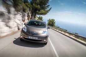nissan leaf year changes nissan leaf 30kwh tekna 2016 review by car magazine