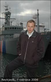 MICHAŁ SIKORSKI. Od szkoły podstawowej fascynował się Islandią. Zainteresowanie tym krajem zaczęło z czasem przybierać charakteru ... - michal_sikorski