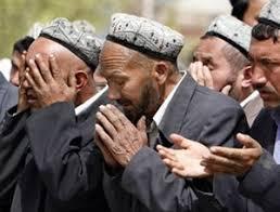 الايغور مسلم يُحكم بالحديد النار