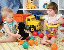 Divisão de tarefas em casa influência o futuro do seu filho