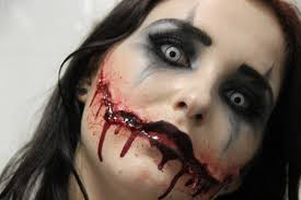Halloween Makeup Application by Scary Clown Makeup For Women Woman Applying Clown Makeup The Best