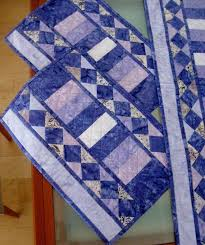 Quilted Table Runners by 101 Best Placemats Table Runners Images On Pinterest Table