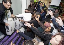 after thanksgiving sale 2014 walmart black friday 2014 fight breaks out at walmart over barbie doll