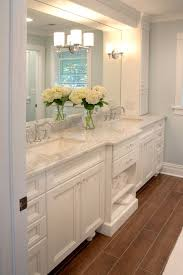 Bathroom Vanity With Tops by Best 25 White Master Bathroom Ideas On Pinterest Master
