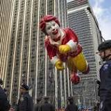 Balloons, floats and police at Macy's Thanksgiving Parade in New York