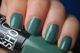 wellnailed x maybelline color show moss