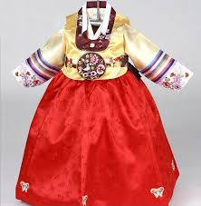 korean haristyle and hanbok Images?q=tbn:ANd9GcSQ_NrjJuX9GEFGbgymbdjCYCy85j44THaI1ayzs1Gf3fPqDYbz0w
