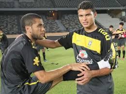 Dani Alves dan Thiago Silva