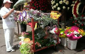 Floral Arrangement Supplies by Cfm Gives Tips To Buy Cheap Funeral Flowers In La U0027s Flower District