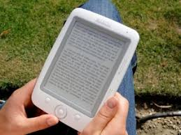 The benefits and advantages of ebooks   why it is better reading them For a