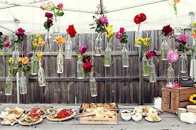 5 backyard wedding ideas on a budget