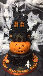 simple halloween cake halloween halloween cake ideas cakes haunted houses best images