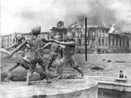 Vassili Záitsev, francotirador soviético  Images?q=tbn:ANd9GcSUcdBNtclljdOCf1h1XXuwUX4fv8pO1IptASBnglUbe-_VZcU&t=1&usg=__J6JPOxhOWwxw-Ax29-exBOKaKNU=