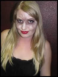 Halloween Vampire Look The Chic Scary Vampire For Men And Women Scentsa