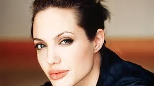 Angelina Jolie 31 900x1600