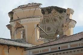 I danni del terremoto a l' Aquila