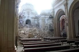 Iglesia de Santiago en Lorca tras el terremoto