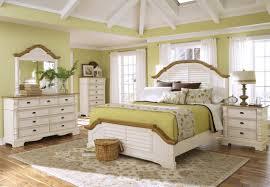 White Shiny Bedroom Furniture White Wood Furniture Bedroom Uv Furniture