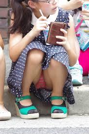 Jsロリパンチラ|スカートからのパンチラとはまた一味違った良さのある、ショートパンツからパンチラしてしまっているJSやJC達の画像まとめ。