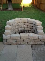 Ideas For Fire Pits In Backyard by Backyard Fire Pit What A Great Idea Garden Hints And Tips
