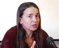 Roxana Pineda, directora del grupo Estudio Teatral de Santa Clara, es la protagonista de Hojas de papel volando, un monólogo que hizo temblar las tablas en ... - roxana-pineda