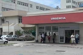 Jovem baleado após assalto em ônibus está internado em hospital ...