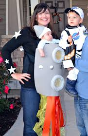 Family Of 3 Halloween Costume by 12 Ideas To Turn Your Baby Carrier Into A Great Halloween Costume