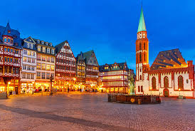 Top Tourist Attractions in Frankfurt   PlanetWare PlanetWare The R  merberg   Frankfurt     s Old Town Center
