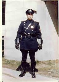 Clearwater law enforcement officer in 1950, a Clearwater Criminal Lawyer thinks they should still honor the uniform & the badge