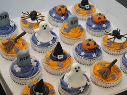 Halloween Cakes Easy by Halloween Cupcake Decorating Pumpkin Halloween Cupcakes