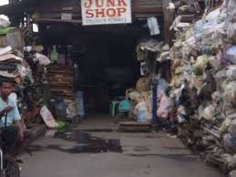 image of a junk shop, borrowed from t2.gstatic.com