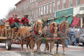 thanksgiving horse pictures 30 most romantic small towns for the holidays u2013 top value reviews