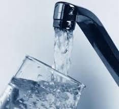 Combien de litres d'eau utilise-t-on par jour ? dans l'eau