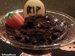 halloween dirt cake graveyard graveyard pudding cups muffinsandmeat
