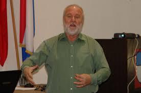 ... koji su danas pratili seminar mi smo sačinili upitnike i planove otklanjanja, izradili Izjave i pripremili ih za predaju – rekao nam je Željko Krpan. - _savjetovanje240312-2