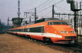 Un train superbe pour les facteurs! Images?q=tbn:ANd9GcSl8fU60rgvkDwIfMylAS34vapGfM1CX5ZY8R4Ijkdf019ye9nJzjMmSljmWw