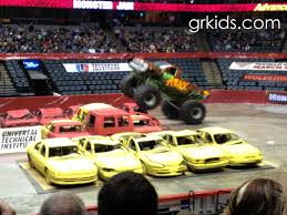 monster truck shows in michigan don u0027t miss out on monster jam thunder nationals this weekend