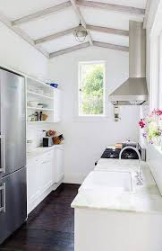 Galley Kitchen Designs Layouts by Best 10 Small Galley Kitchens Ideas On Pinterest Galley Kitchen