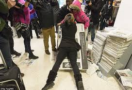 when do the best black friday deals start stores will start opening at midnight for black friday daily