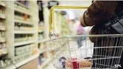 Idosa passa Ano Novo presa em supermercado na França - BBC ...