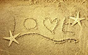 سجادة الرمل المخمليه وحكايا البحر