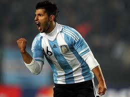 Sergio Agüero celebrando un gol durante la Copa América