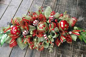 mesmerizing and simple christmas table decoration introducing nice