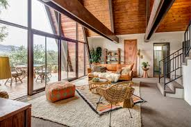 a frame in eagle rock sells for 1m curbed la