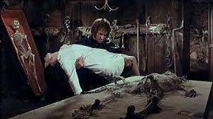 TOP 50 des meilleurs Films de Zombies - Page 3 Images?q=tbn:ANd9GcSujlkky65t9UMAc_Alho4vUnRvi0Z0lhN7htCIJRPZUTiaLAKARXD1vqYg