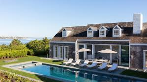 Nantucket Style Homes by This Nantucket Gem Is Not Your Ordinary Beach Cottage U2013 Robb Report