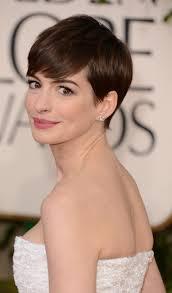 short hairstyles oval face shape women medium haircut