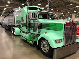 2018 kenworth w900 check out the show trucks people liked best at gats 2017
