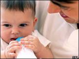 Bebês de 4 meses já captam sinais de emoção, diz estudo
